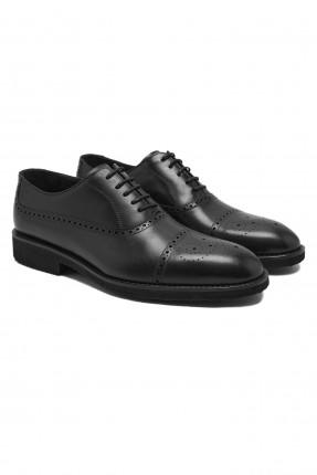 حذاء نسائي مزين بنقشة - اسود