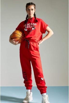 تيشرت رياضة نسائي بطبعة كتابة - احمر