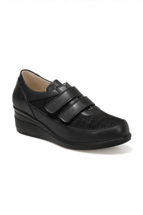 حذاء نسائي بلاصق - اسود