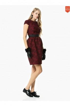 فستان نسائي مزين بنقشة - خمري