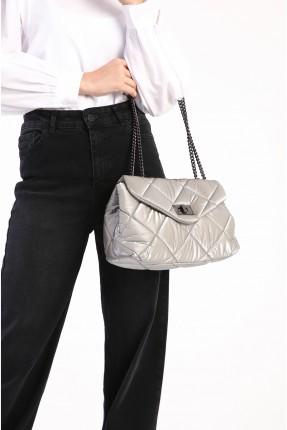 حقيبة يد نسائية مزينة بدرزة