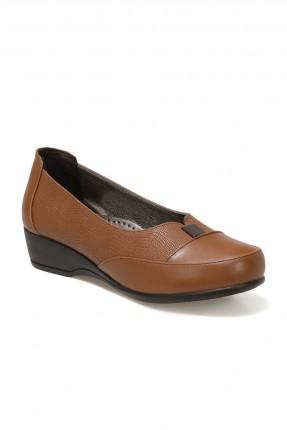 حذاء نسائي بلونين