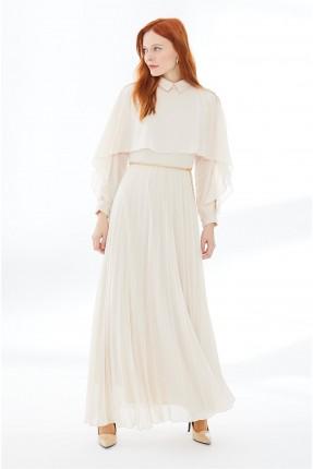 فستان نسائي رسمي مزين بسلسلة معدنية عند الخصر