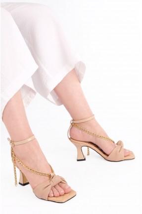 حذاء نسائي بتفاصيل حبكة تطريز - بيج