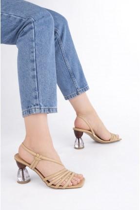 حذاء نسائي بكعب شفاف - بيج