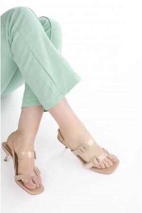 حذاء نسائي ببزيم - بيج