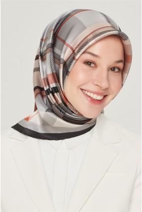 حجاب تركي مزين بكاروهات