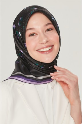 حجاب تركي مزين بخطوط مغايرة اللون