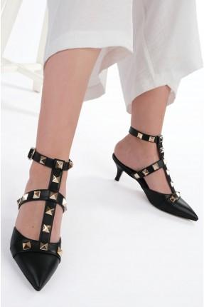 حذاء نسائي بتفاصيل معدنية - اسود