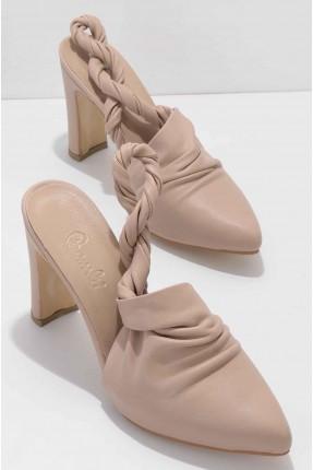 حذاء نسائي بموديل جدلة