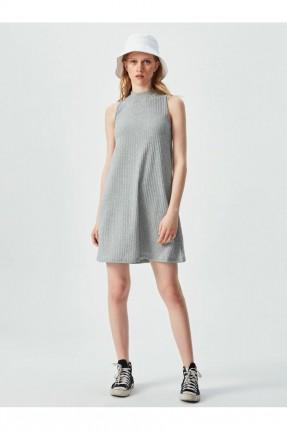 فستان حفر سادة اللون