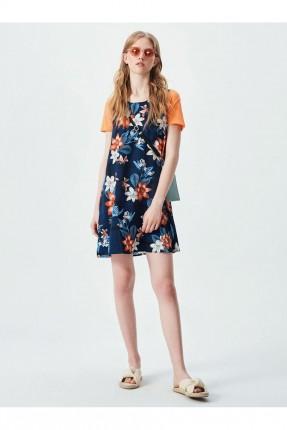 فستان مزين برسوم ازهار