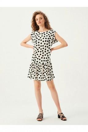 فستان قصير منقط