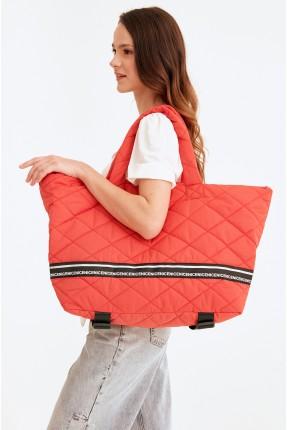 حقيبة يد  رياضية نسائية مزينة بنقشة - احمر