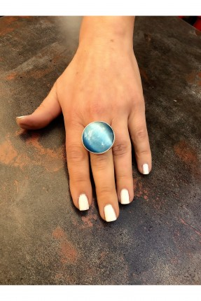 خاتم نسائي مزين بحجر دائري