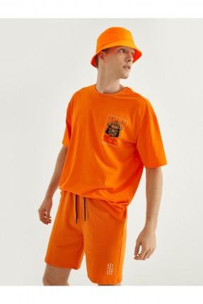 تيشرت رجالي مزين بطبعة من الخلف - برتقالي