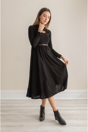 فستان مزين بفتحة على الصدر