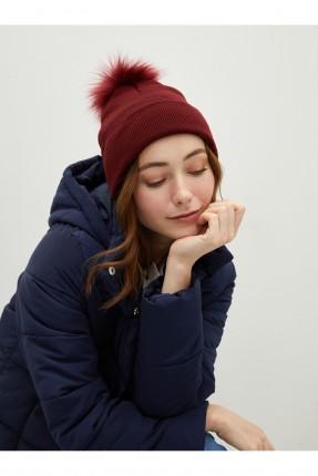 قبعة نسائية تريكو مزينة بفرو