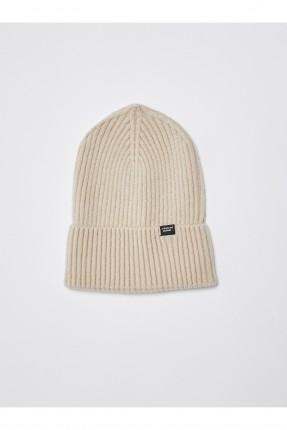 قبعة نسائية تريكو