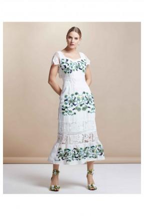فستان مزين بتفاصيل شفافة