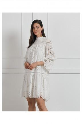 فستان رسمي مزين بثقوب