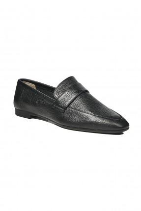 حذاء نسائي جلد مزين بنقش