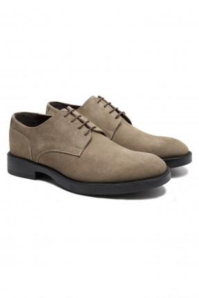 حذاء رجالي بنعل مغاير اللون