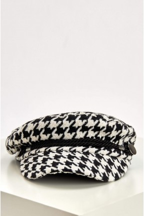 قبعة نسائية بنقشة