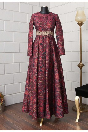فستان رسمي مزين برسوم ازهار