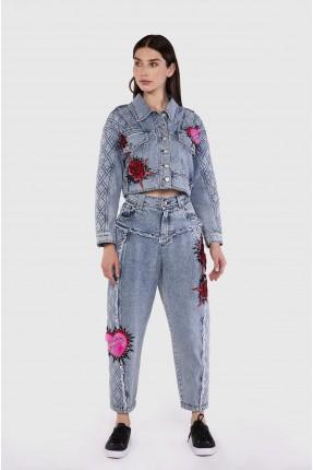 بنطال جينز نسائي مزين بحبكة مضلعة