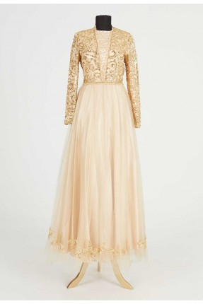 فستان رسمي مزين بتطريز