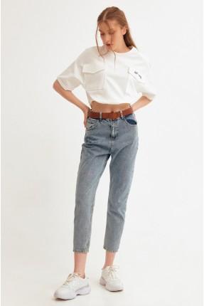 بنطال جينز نسائي مزين بحزام