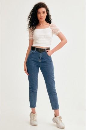 بنطال جينز نسائي مزين بحزام على الخصر