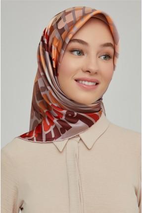 حجاب تركي بنقشة اسم الماركة