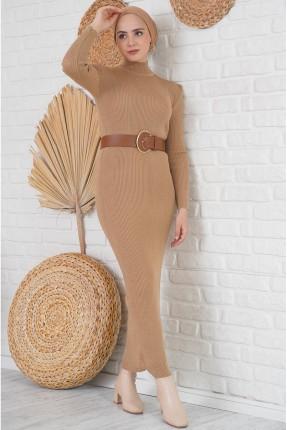 فستان طويل تريكو بياقة مرتفعة