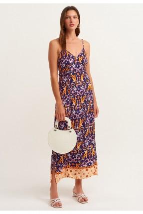 فستان مزين بفتحات على الجوانب