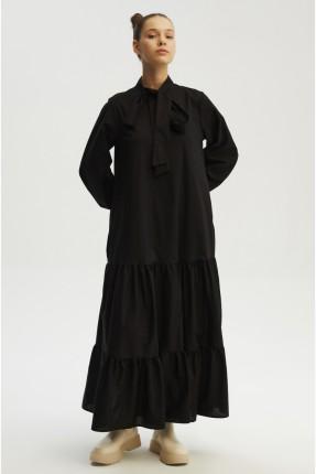 فستان طويل باكمام واسعة