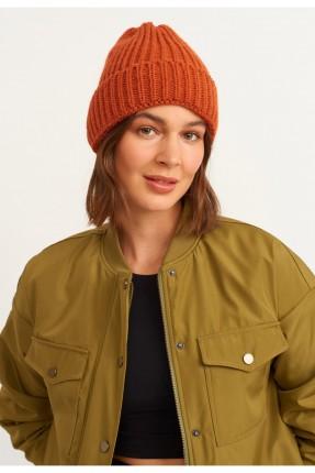 قبعة نسائية تريكو سادة اللون