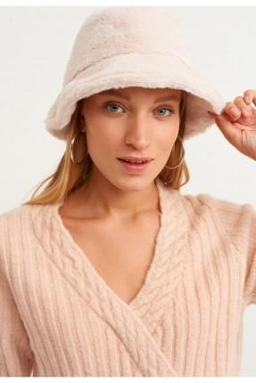 قبعة نسائية فرو