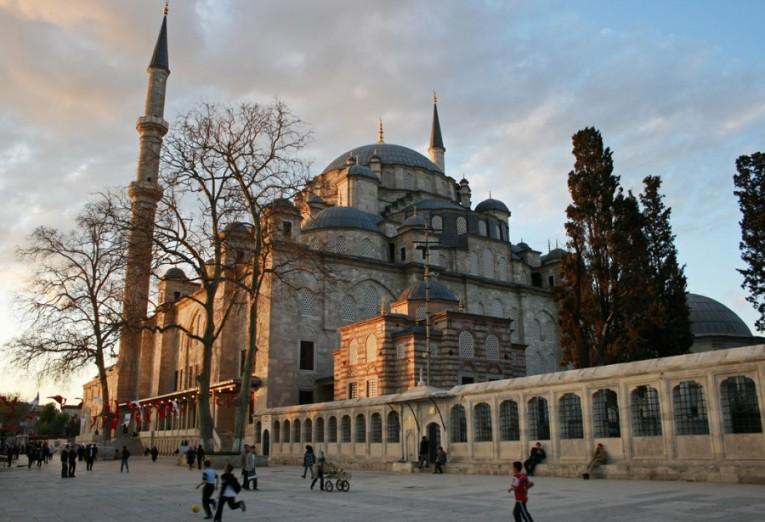 نتيجة بحث الصور عن جامع الفاتح اسطنبول