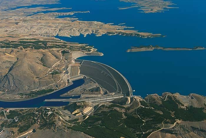 نهر الفرات Firat Nahri والمشاريع المقامة عليه في تركيا تركيا ادويت