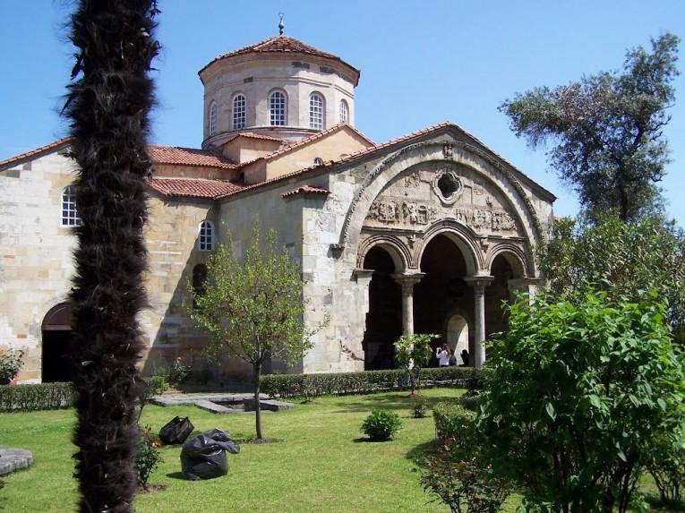 متحف ايا صوفيا في طرابزون موقع تركي مون