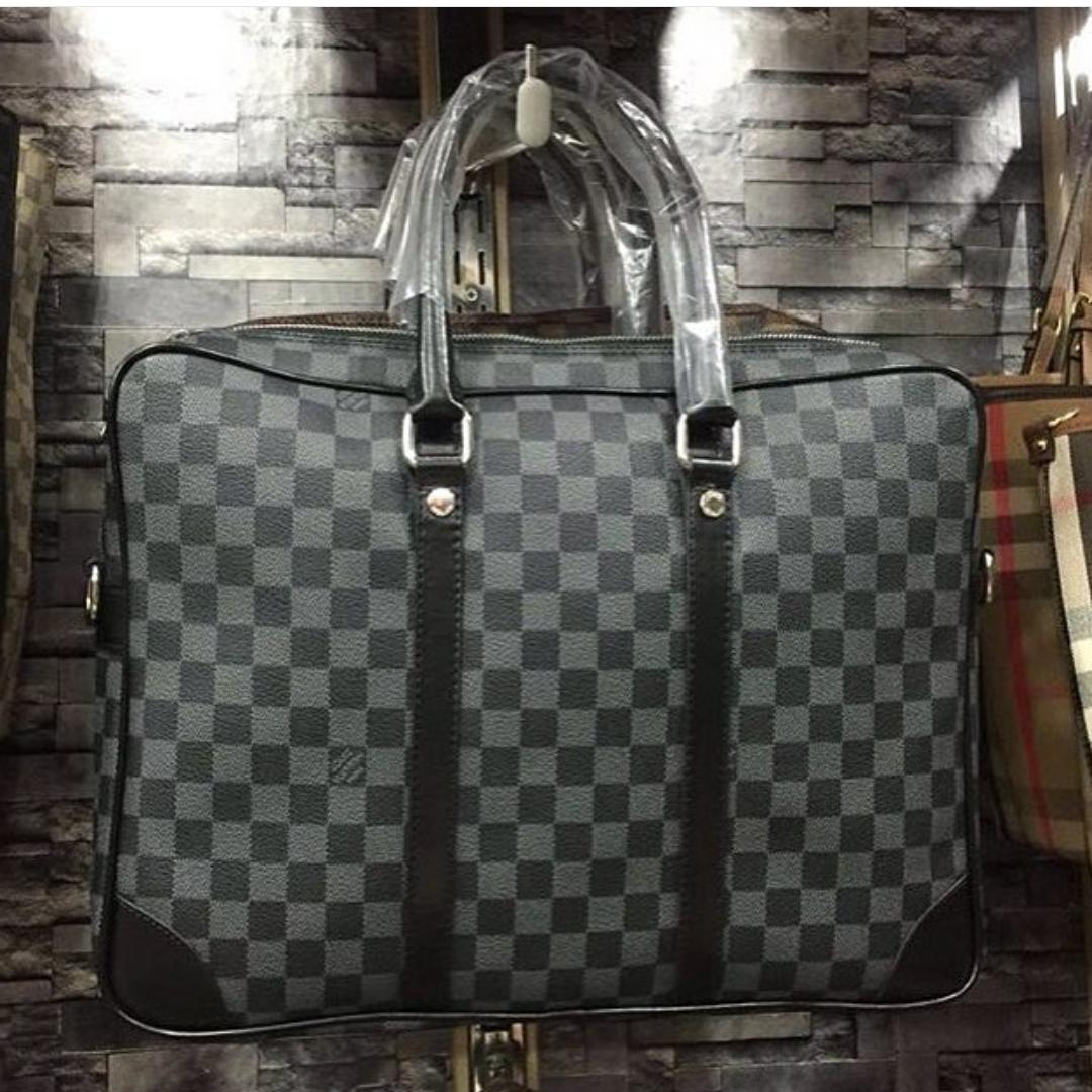c5fa49eb54d93 حقائب اليد الرجالية في تركيا