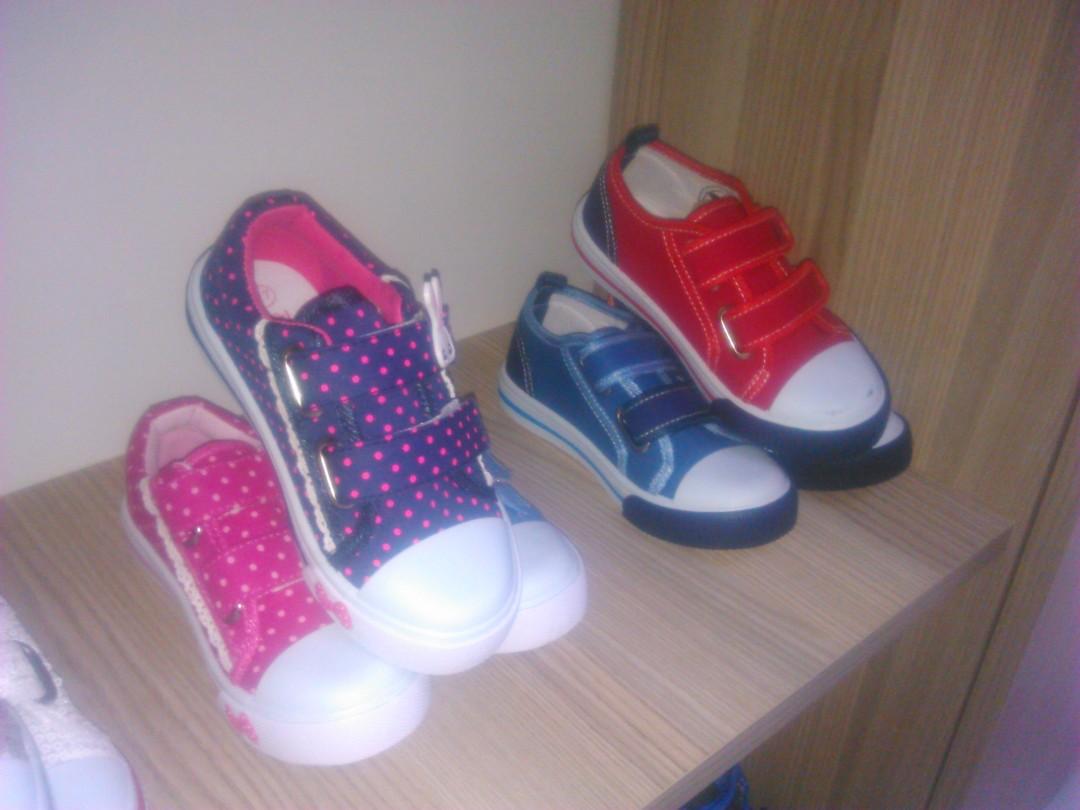 6f6c8ebe9 أحذية بيبي جديدة للبيع بالجملة | السعر : 15 ليرة تركية | تركيا - ادويت