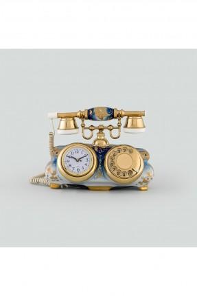 هاتف قديم مع ساعة