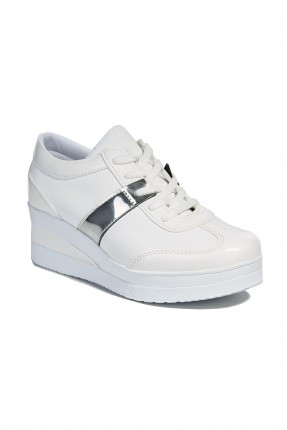 حذاء سبور نسائي - ابيض