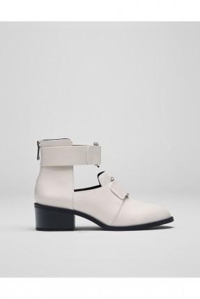حذاء نسائي بكلة امامية - ابيض