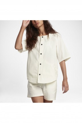 قميص نسائي بزرار - ابيض