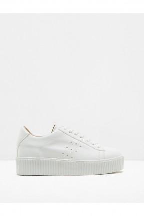 حذاء نسائي مع رباطات - ابيض