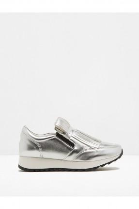 حذاء نسائي رياضي - فضي
